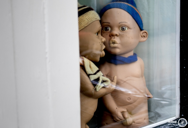 naughty window dolls 2