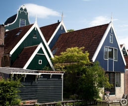 Dutch a fram houses